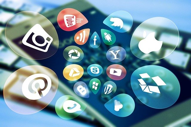 iPhone Showing Overwhelming Number of Social Media Apps